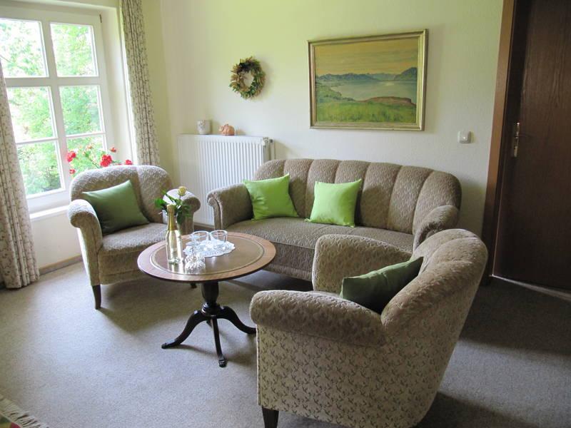 hof friedrichsthal ferienwohnung apartment lupine f r 2. Black Bedroom Furniture Sets. Home Design Ideas